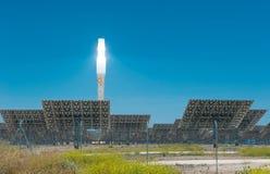 ANDALUCIA HISZPANIA, Kwiecień, -, 24, 2012: Gemasolar elektrownia Zdjęcia Royalty Free