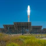ANDALUCIA SPANIEN - April, 24: Gemasolar kraftverk på April, Royaltyfri Foto