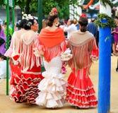 Andaluzyjskie kobiety w jarmarku, Seville, Andalusia, Hiszpania obrazy stock
