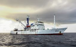 Andaman hav, Thailand - November 9 2012: Millivolt Seafdec seglade till det Andaman havet för att ändra bojet för upptäckt för ts royaltyfri fotografi