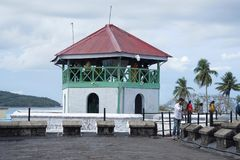 ANDAMAN-INSELN, INDIEN im Mai 2018 Tourist am zellulären Gefängnis, Port Blair, Andaman-Inseln Zentraler Uhr Turm stockfotos