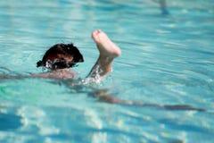 Andando sotto l'acqua Immagini Stock