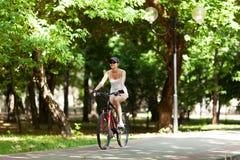 Andare in bicicletta Fotografia Stock