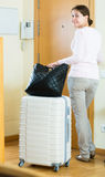 Andare via di casa femminile per la vacanza Fotografie Stock Libere da Diritti