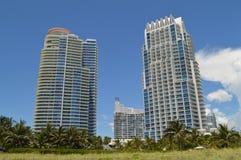 Andelslägenheter på Miami Beach, Florida Fotografering för Bildbyråer