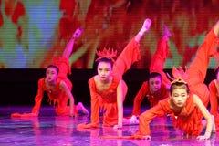Anden av akademin för brandPekingdans som graderar för barn` s för prov den utstående utställningen Jiangxi för prestation för un Arkivbilder