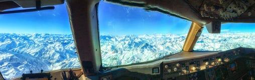 Anden-Berge vom Cockpit stockfotos