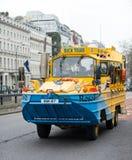 Anden turnerar bussen i London, England Royaltyfria Bilder