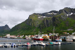 Andenes pir, Gryllefjord, färja till Lofoten öar fotografering för bildbyråer