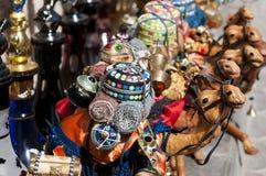 Andenken bei arabischem Souk Stockfotos