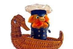 Andenken: der alte Kapitän erobert das Meer auf dem Schiff stockbilder