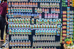 Andenkenmagneten im Shop in den Niederlanden Stockbilder