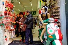 Andenkenshop in Rom Stockfotos