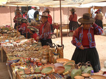 Andenkenverkäufer in Raqchi, Peru, Südamerika Stockfotografie