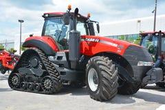 Anderhalve liter fles 380 CVT-tractoren stock afbeelding