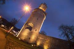 Andernach redondo famoso Alemania de la torre por la tarde imagen de archivo