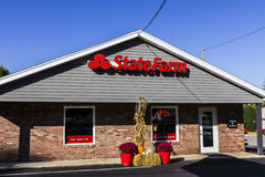 Anderson - Około Październik 2016: State Farm Asekuracyjnego agenta lokacja State Farm Oferuje Asekuracyjne i Pieniężne usługa II Zdjęcia Royalty Free
