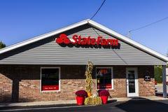 Anderson - vers en octobre 2016 : Agent Location de State Farm Insurance State Farm offre l'assurance et les services financiers  Photos libres de droits