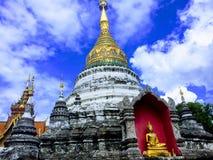 Andlig tempel i Thailand fotografering för bildbyråer