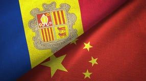 Andorra en China twee vlaggen textieldoek, stoffentextuur vector illustratie