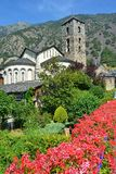 """Andorra la Vella, Andorra †""""Juli, 2015 Församlingkyrka i Andorra la Vella Arkivfoton"""