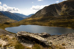 andorra lakepedourres pyrenees Royaltyfri Fotografi