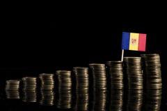 Andorranische Flagge mit Los Münzen auf Schwarzem Stockfoto