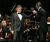 Andrea Bocelli in overleg stock foto's
