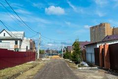 Andreevka, Russland - 11. April 2016 Allgemeine Ansicht der Kleinstadt in Solnechnogorsk-Bezirk Stockbild