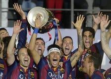ANdres Iniesta, Xavi Hernandez et Neymar avec le trophée de ligue de champions Images libres de droits