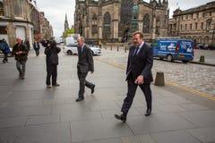 Andrew Coulson próbni uczestnicy przyjeżdżają przy Szkocja sądem najwyższy obrazy royalty free