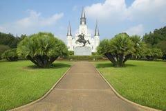Andrew Jackson Statue y St Louis Cathedral, Jackson Square en New Orleans, Luisiana Imagenes de archivo