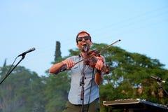 Andrew Ptasi muzyk, kompozytor i instrumentalista, wykonujemy przy Vida festiwalem zdjęcia stock