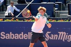 Andrey Rublev bawić się przy ATP (gracz w tenisa od Rosja) Zdjęcia Stock