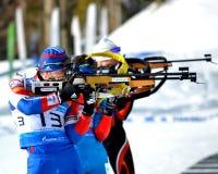 Andrey Turgenev en andere atleten concurreren in de Regionale Kop van IBU Royalty-vrije Stock Foto's