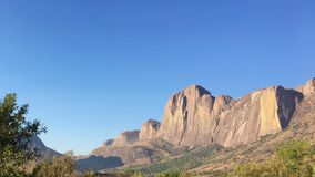 Andringitra山在Andringitra国家公园在马达加斯加 免版税库存照片