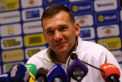 Andriy Shevchenko presskonferens i Kyiv, Ukraina arkivbild