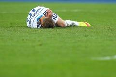 Andriy Yarmolenko批评伤害和谎言地面、UEFA欧罗巴16秒腿比赛同盟回合在发电机之间和埃弗顿 库存照片