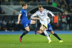 Andriy Yarmolenko滴下与球、UEFA欧罗巴16在发电机之间的秒腿比赛同盟回合和埃弗顿 免版税库存照片