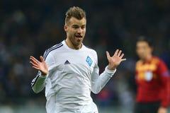 Andriy Yarmolenko comemora o objetivo marcado, o círculo da liga do Europa do UEFA da segundo harmonia do pé 16 entre o dínamo e  imagens de stock royalty free