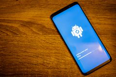 Free Android Installing System Update Royalty Free Stock Photo - 138943685