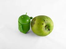 Android met appel Stock Afbeeldingen