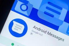 Android wiadomości app na pokazie pastylka pecet Ryazan Rosja, Marzec - 21, 2018 - zdjęcie stock