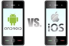 Androide contra el IOS Imagen de archivo