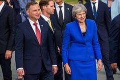 Andrzej Duda, presidente de Polonia y Theresa May, primer ministro de Kingsom unido imagen de archivo