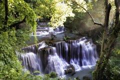 Andscape van Waterval Huai Mae Kamin Stock Foto's
