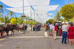 ANDUJAR, ΙΣΠΑΝΙΑΣ - 6 Σεπτεμβρίου: σκηνές και ομπρέλες για να αποφύγει Στοκ εικόνες με δικαίωμα ελεύθερης χρήσης