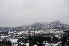 Anduze κάτω από το χιόνι, μικρή πόλη στη νοτιοανατολική Γαλλία Στοκ Εικόνες