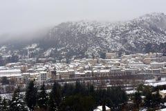 Anduze κάτω από το χιόνι, μικρή πόλη στη νοτιοανατολική Γαλλία Στοκ εικόνες με δικαίωμα ελεύθερης χρήσης