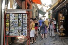 Anduze shoppar av hemslöjder Arkivfoton